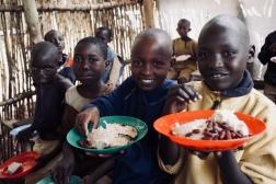 15.05.2013 BDI Burundi - Provinz Kirundo - Gemeinde Vumbi - Schulspeisung, Burundi - Kirundo Province - Vumbi, village - free school meals